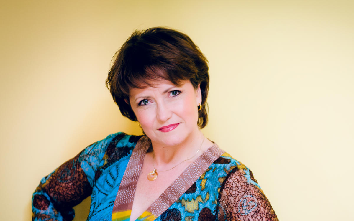 "LAURA AIKIN in ""Der Schauspieldirektor"" at the Mozart Week"